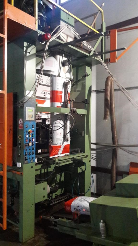 ZDJECIE NR 1 - Packaging machine B&C with volumetric doser