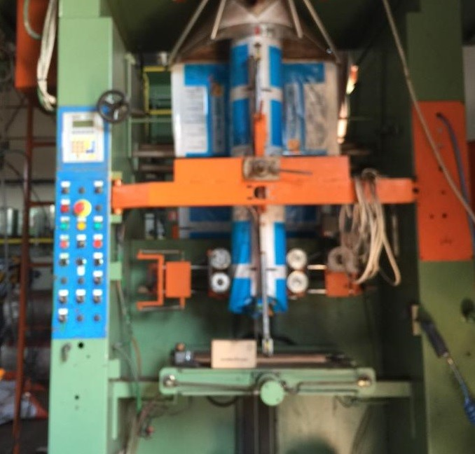 ZDJECIE NR 2 - Packaging machine B&C with volumetric doser